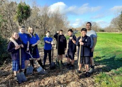 Lakeview School students with Joseph Potangaroa at the Waipoua River