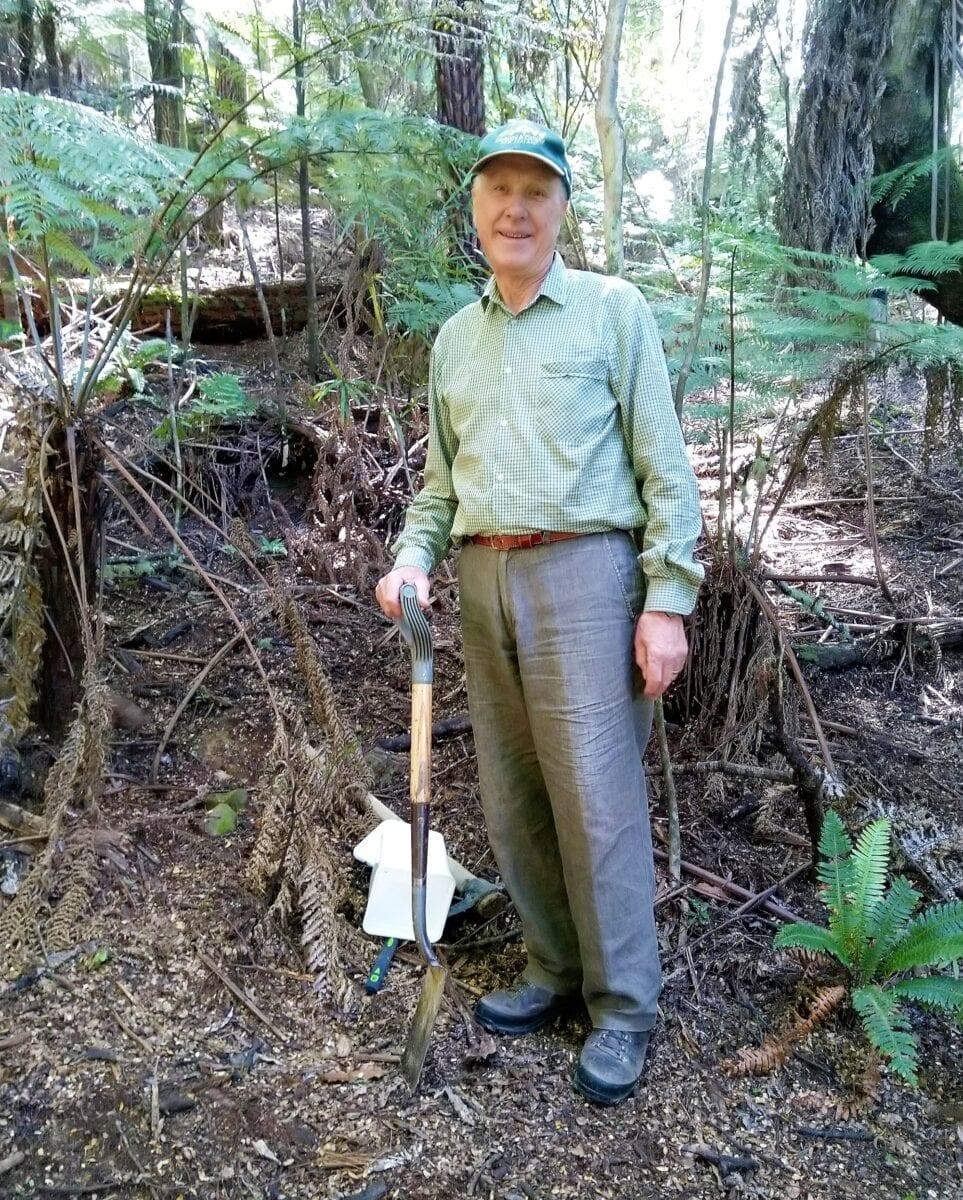 Ray Stewart digging a pitfall trap at Rewa Bush